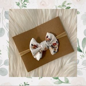 👑White Floral Clip In Bow or Bow on Nylon!